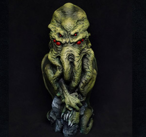 Previous<span>Cthulhu statuette</span><i>→</i>